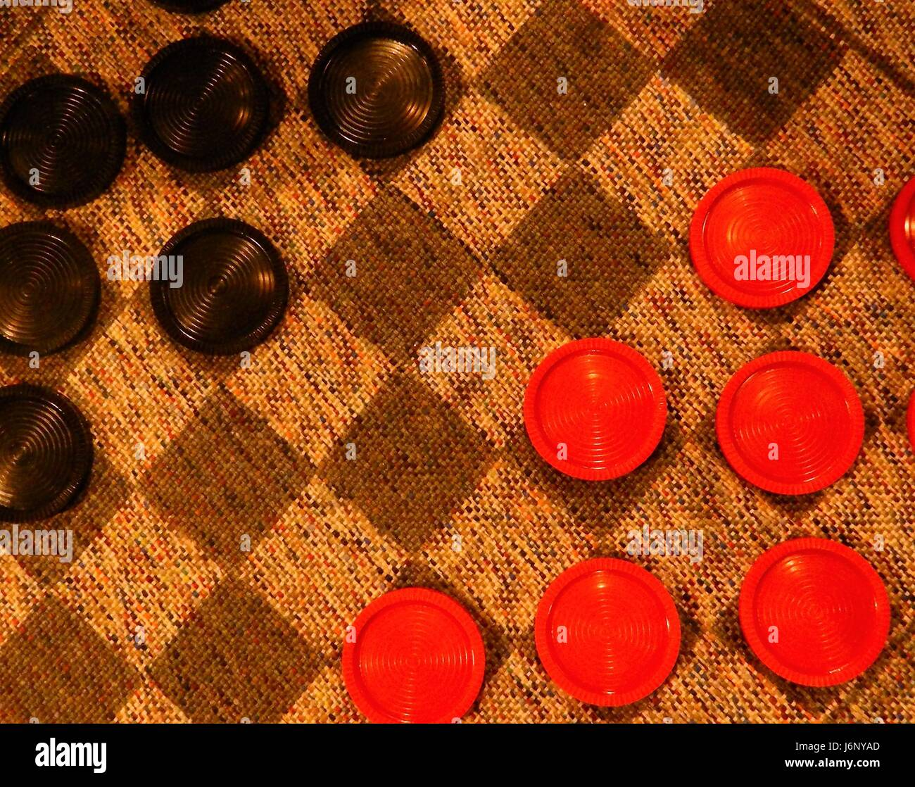 how to set up and play checkers