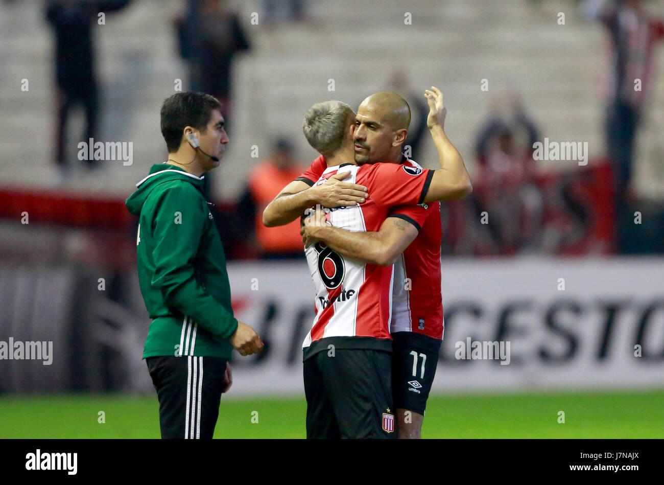 Estudiantes Juan Sebastian Veron R say good bye to a teammate