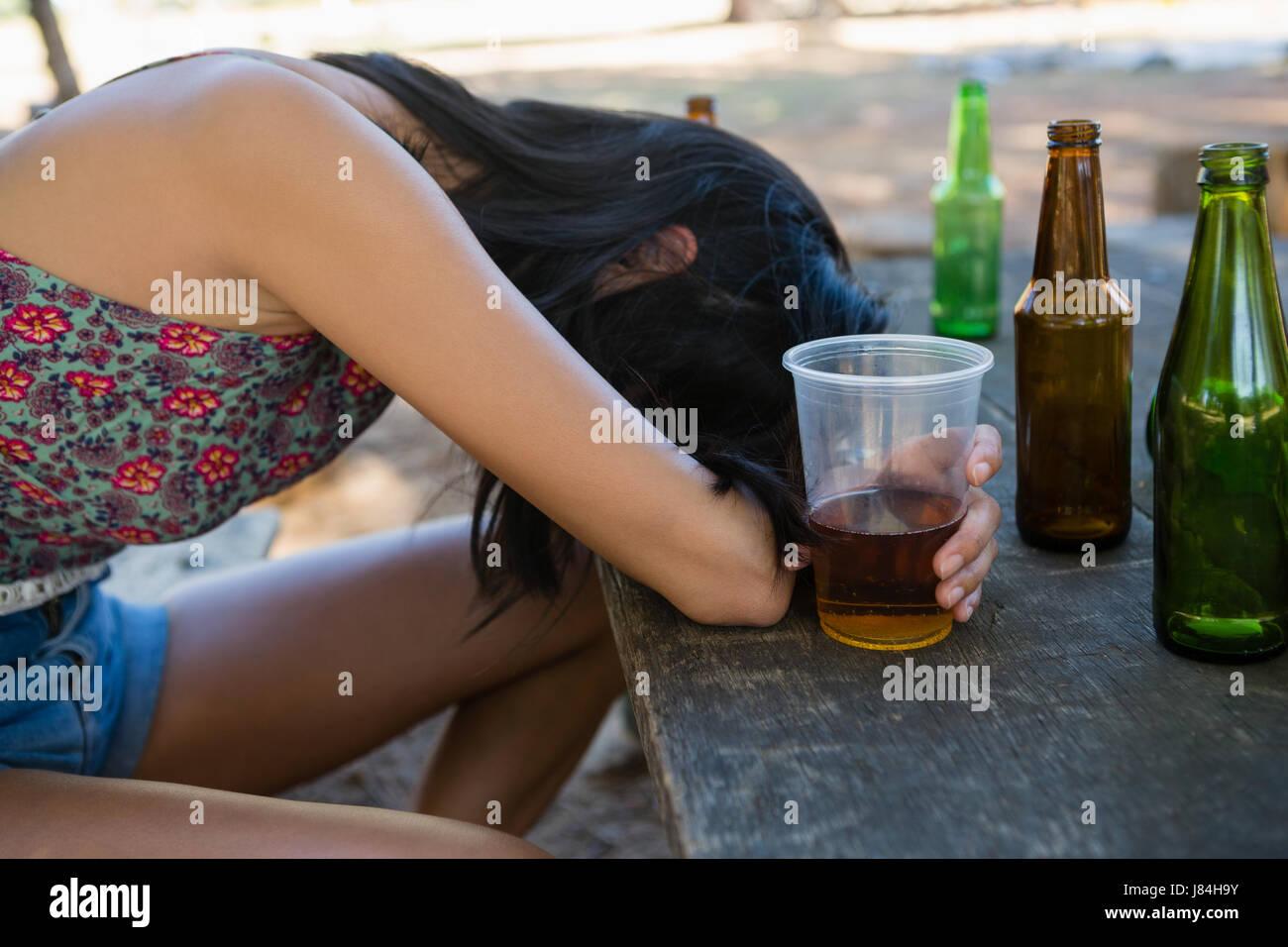 матуре спящих и пьяных женщин фото