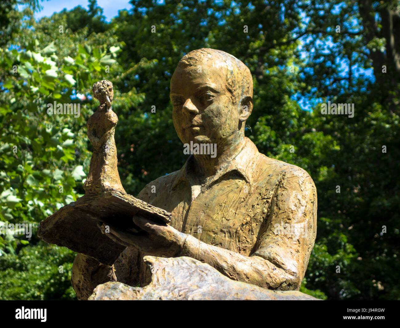 Statue of antoine de saint exupery jardin royal toulouse for Jardin royal toulouse