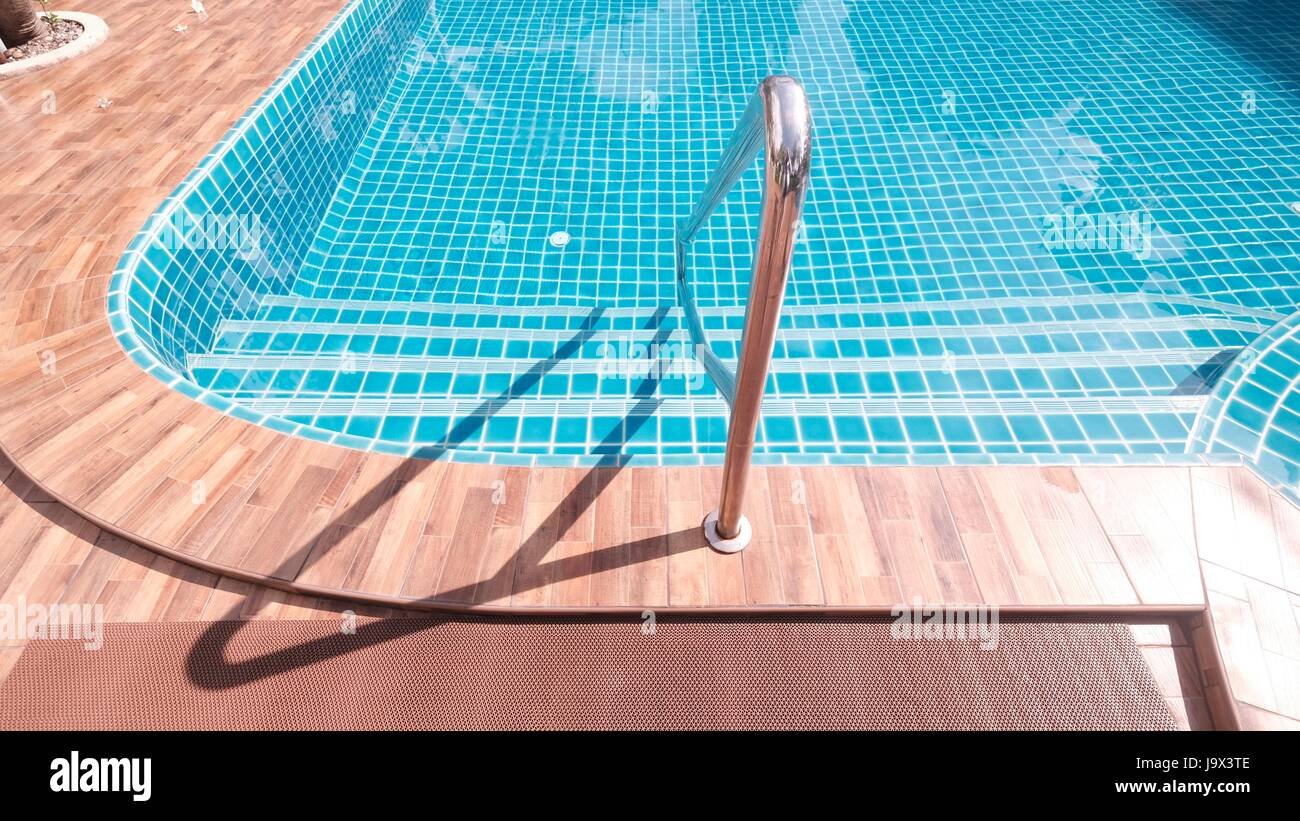 Summer Fun Swimming Pool Safety Hand Rail Ladder Steps into Pool ...