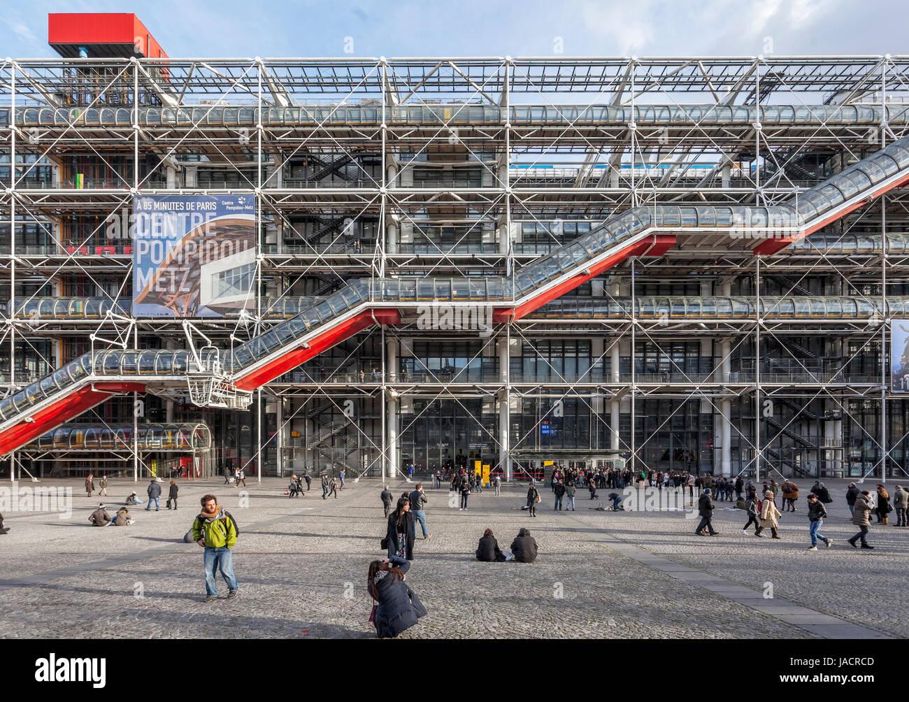 Centre pompidou centre national d art et de culture georges stock photo royalty free image - Hightech architektur ...