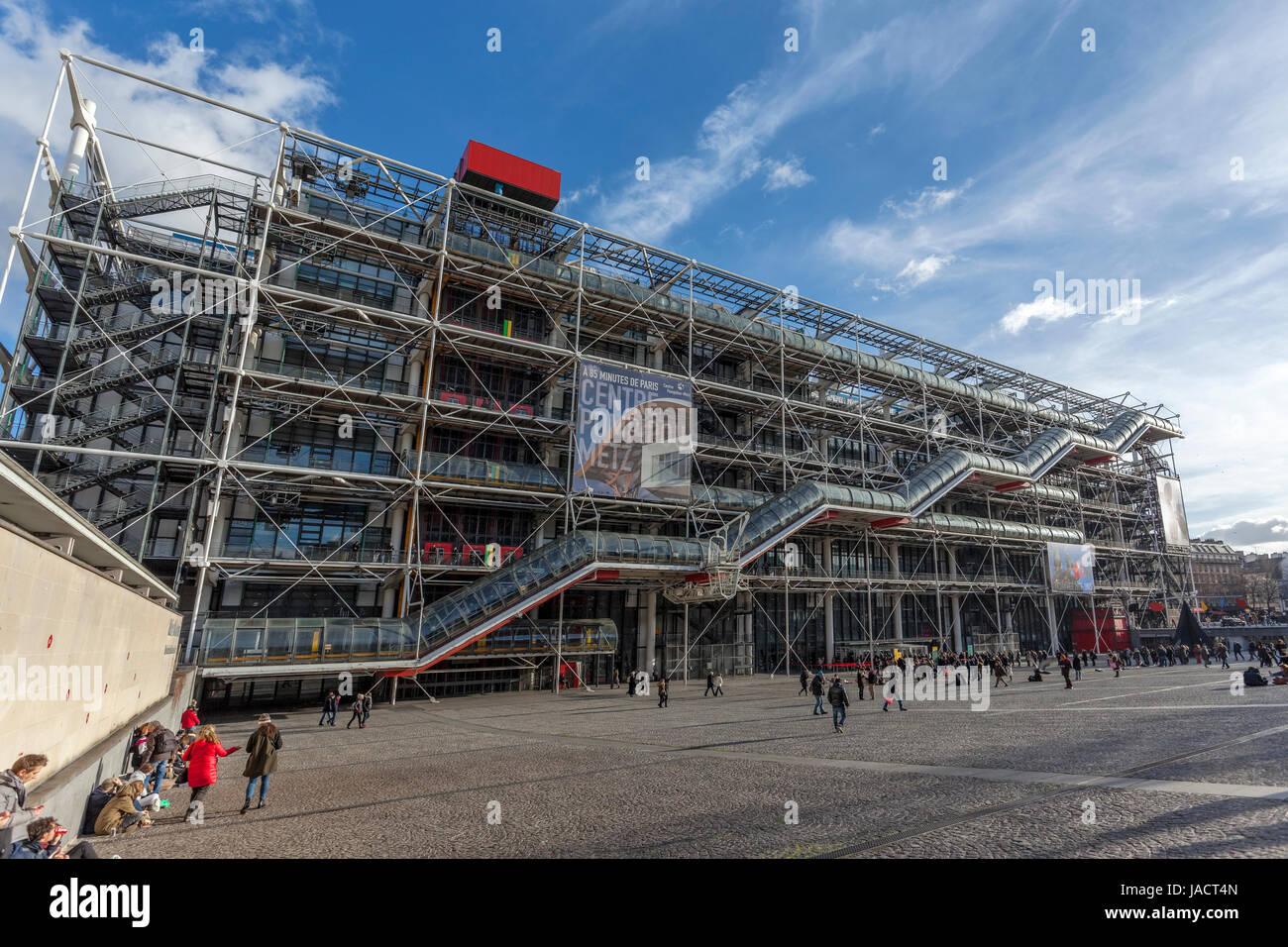 Centre pompidou centre national d art et de culture for Art minimal centre pompidou