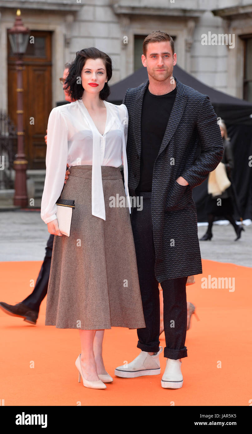 oliver jackson cohen and jessica de gouw dating Find the perfect jessica de gouw stock photos and editorial news pictures from getty  jessica de gouw, jessica pare  oliver jackson cohen, jessica de gouw, .
