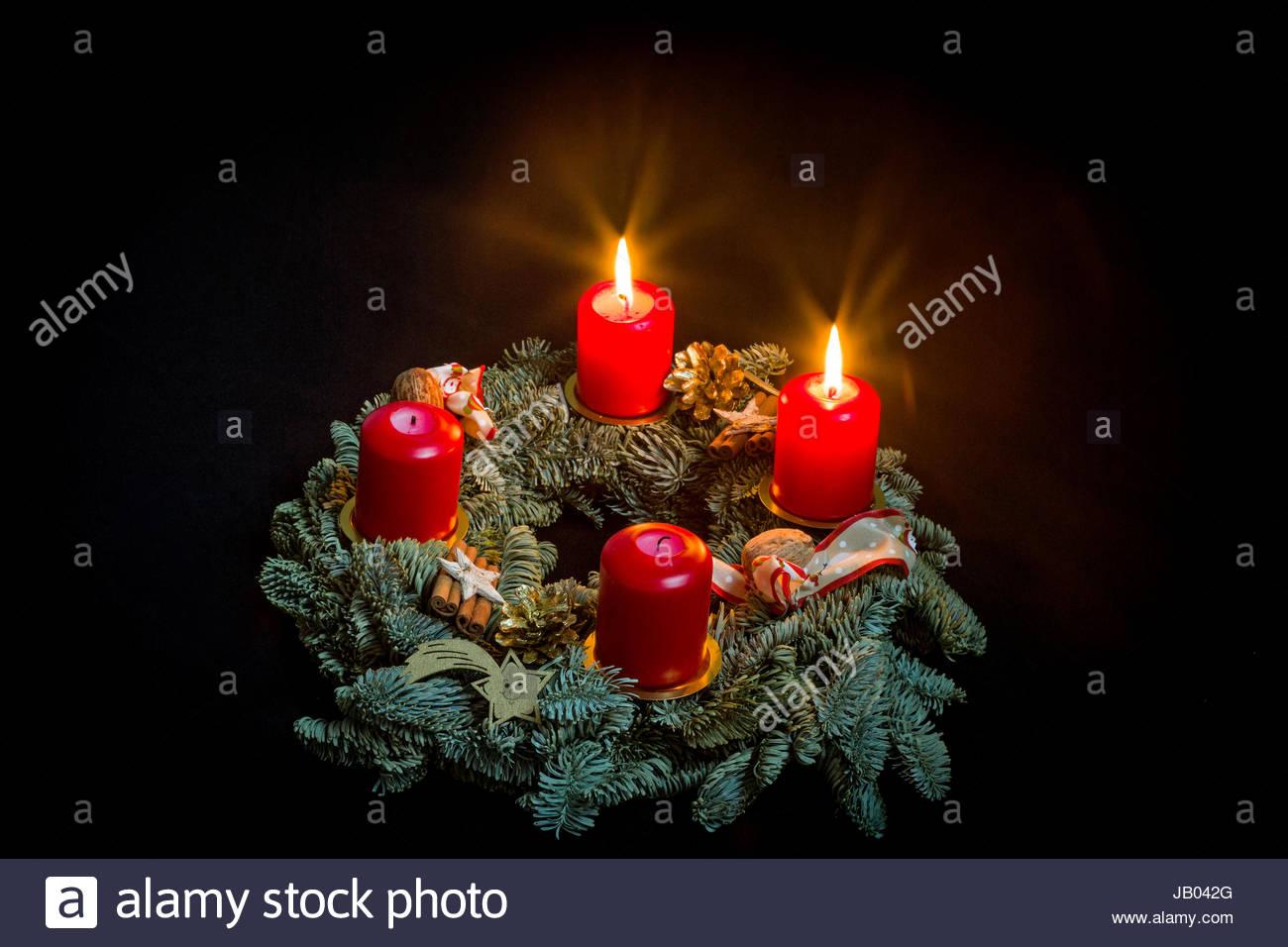 adventskranz mit zwei brennenden kerzen stock photo. Black Bedroom Furniture Sets. Home Design Ideas