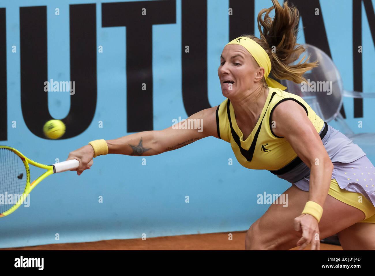 Svetlana Kuznetsova of Russia against Alison Riske of EEUU during