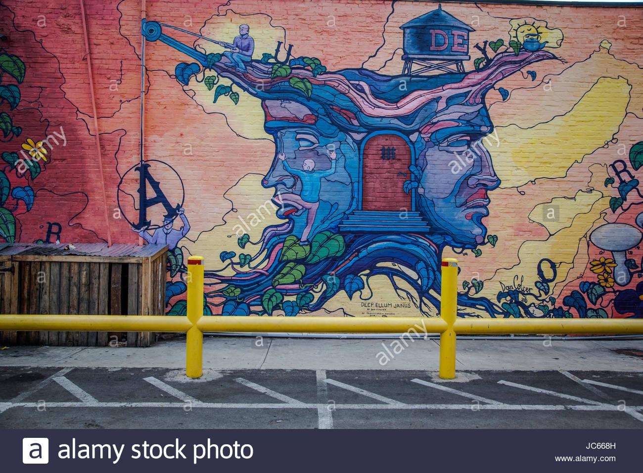 Graffiti wall dallas - Paintings On Wall Along A Sidewalk In Dallas Deep Ellum