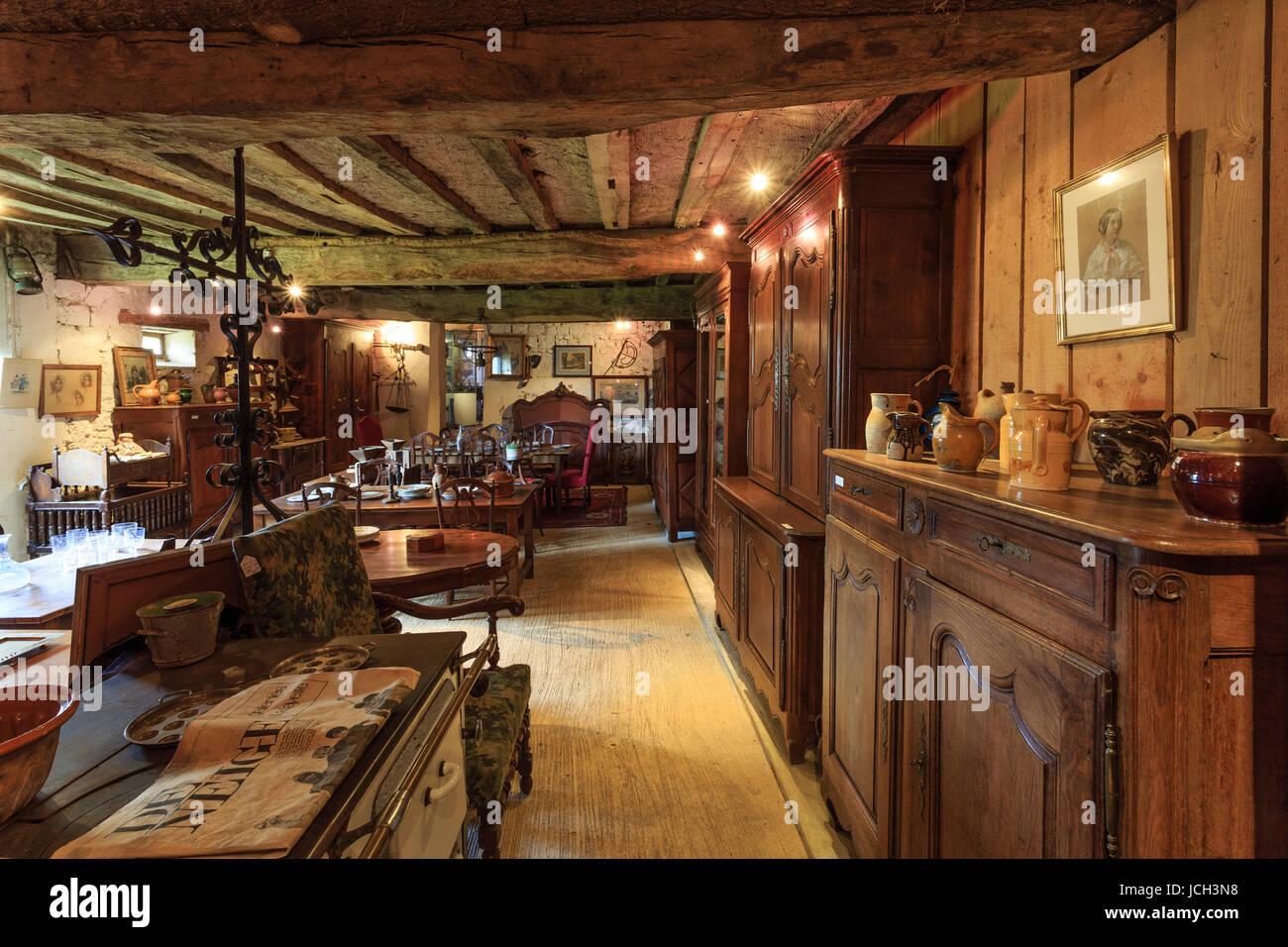 france orne 61 noc manoir de lormarin antiquit s dans les stock photo royalty free image. Black Bedroom Furniture Sets. Home Design Ideas