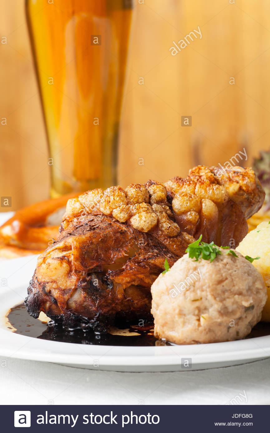 bone, bavarian, leg, pork, meat, food, aliment, wood, kitchen