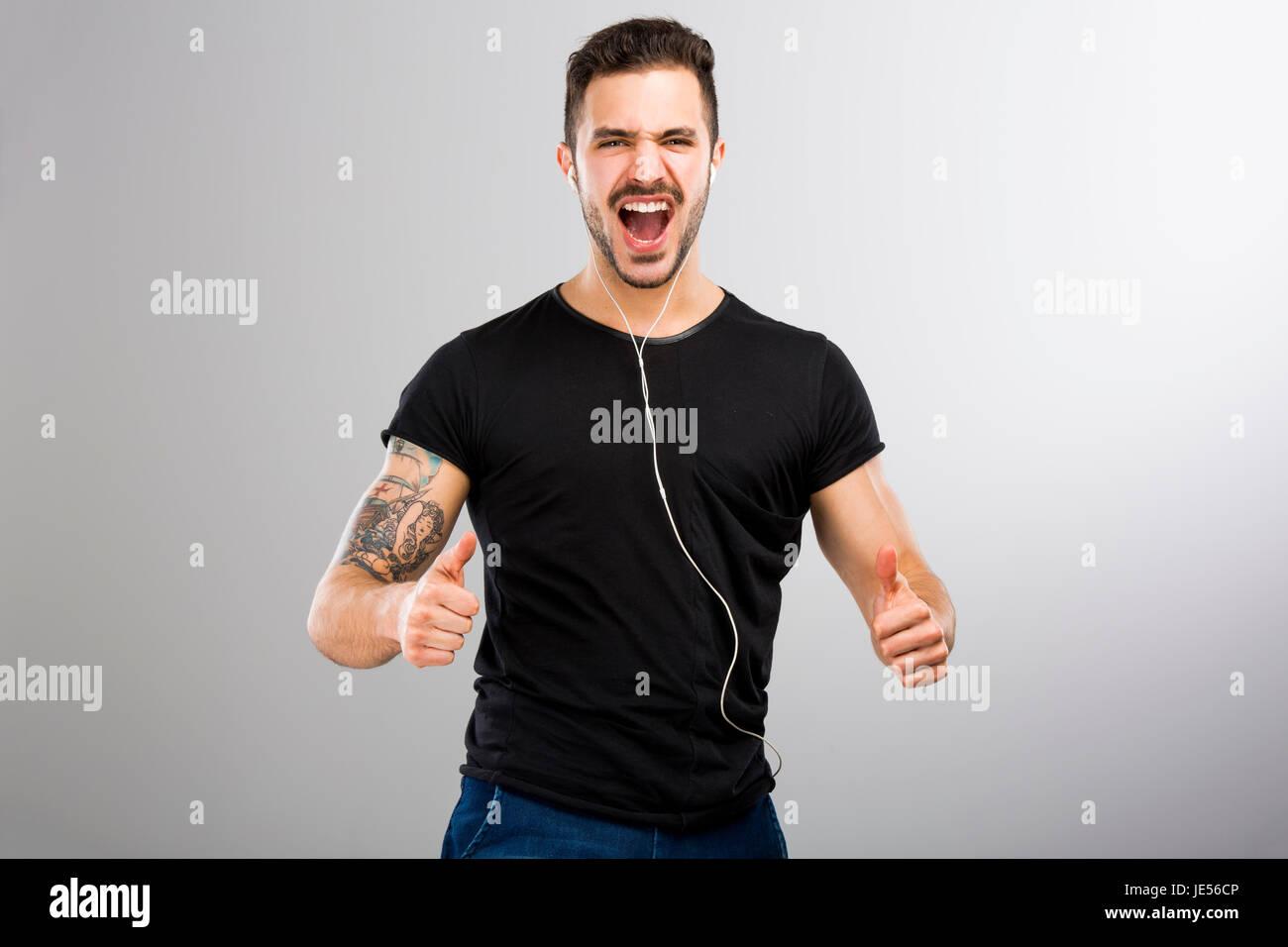 Latino muscle thumbs