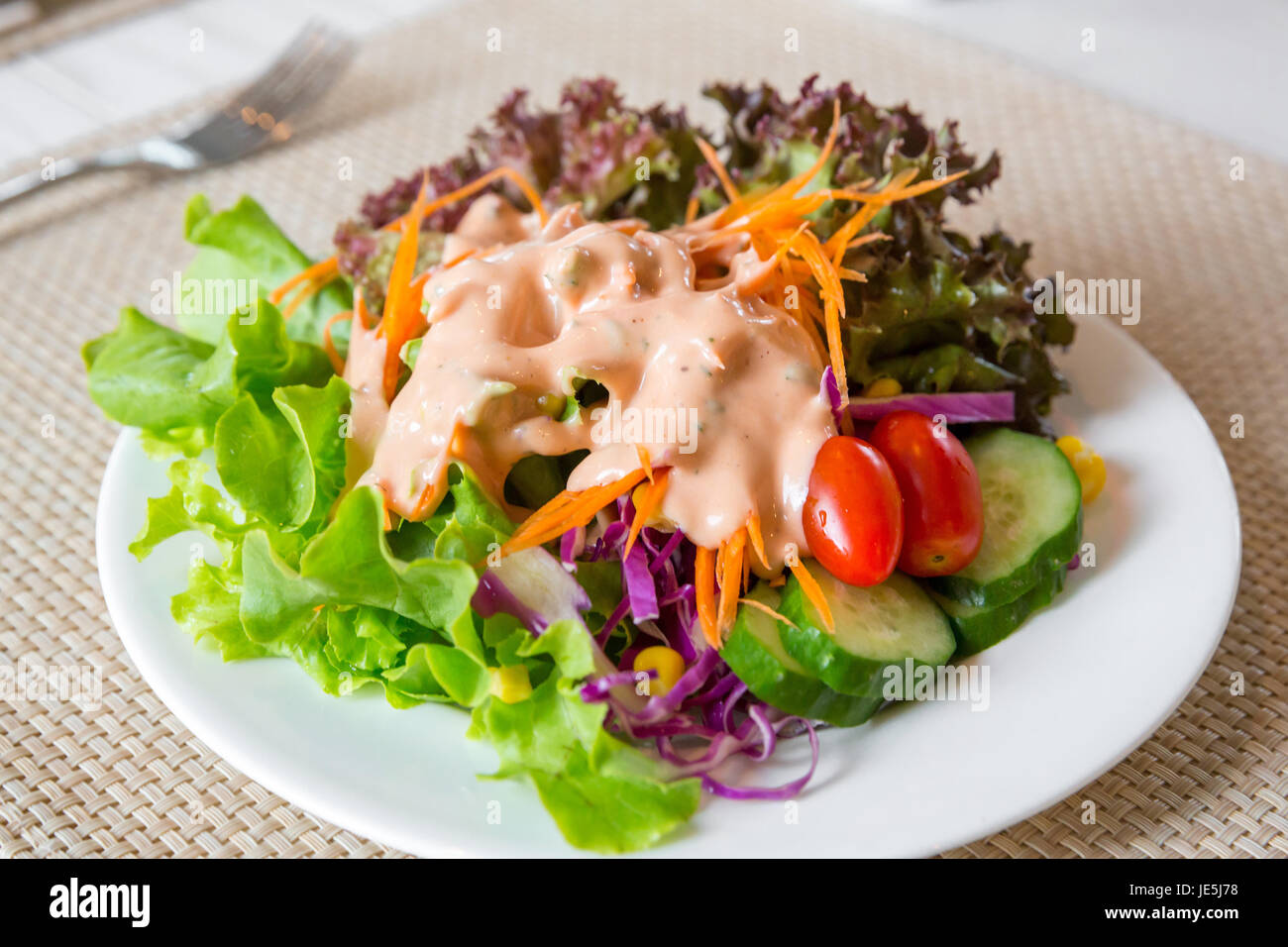 recipe: what salad goes with thousand island dressing [15]