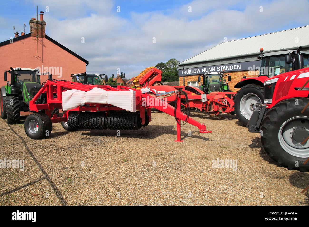 Farm machinery vehicles on sale Thurlow Nunn Standen sales ...
