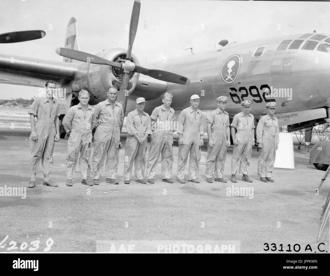 B 29 Crew Stock Photos \u0026 B 29 Crew Stock Images - Alamy