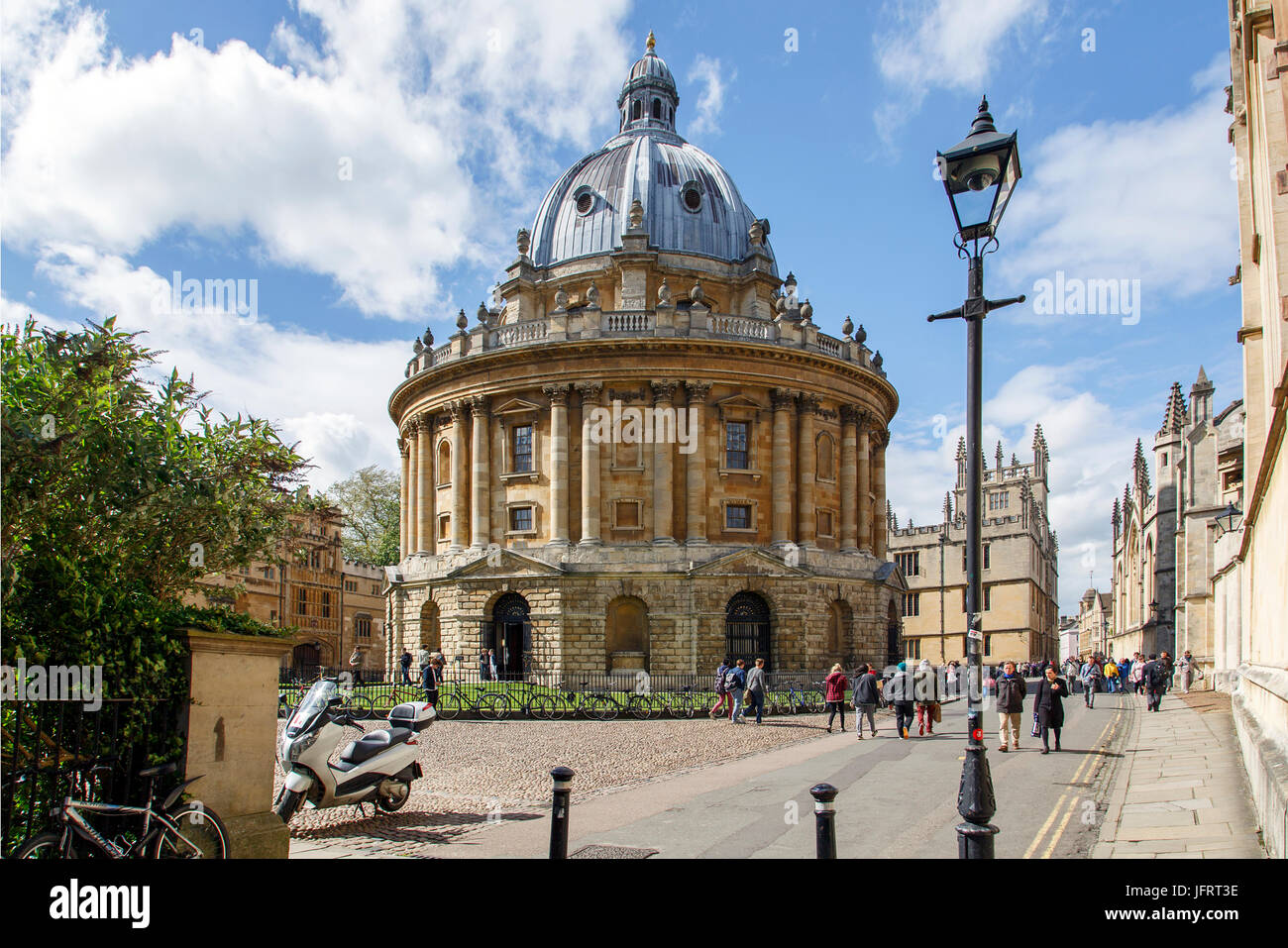 The Radcliffe Camera Building Located At Oxford University Stock - Where is oxford located