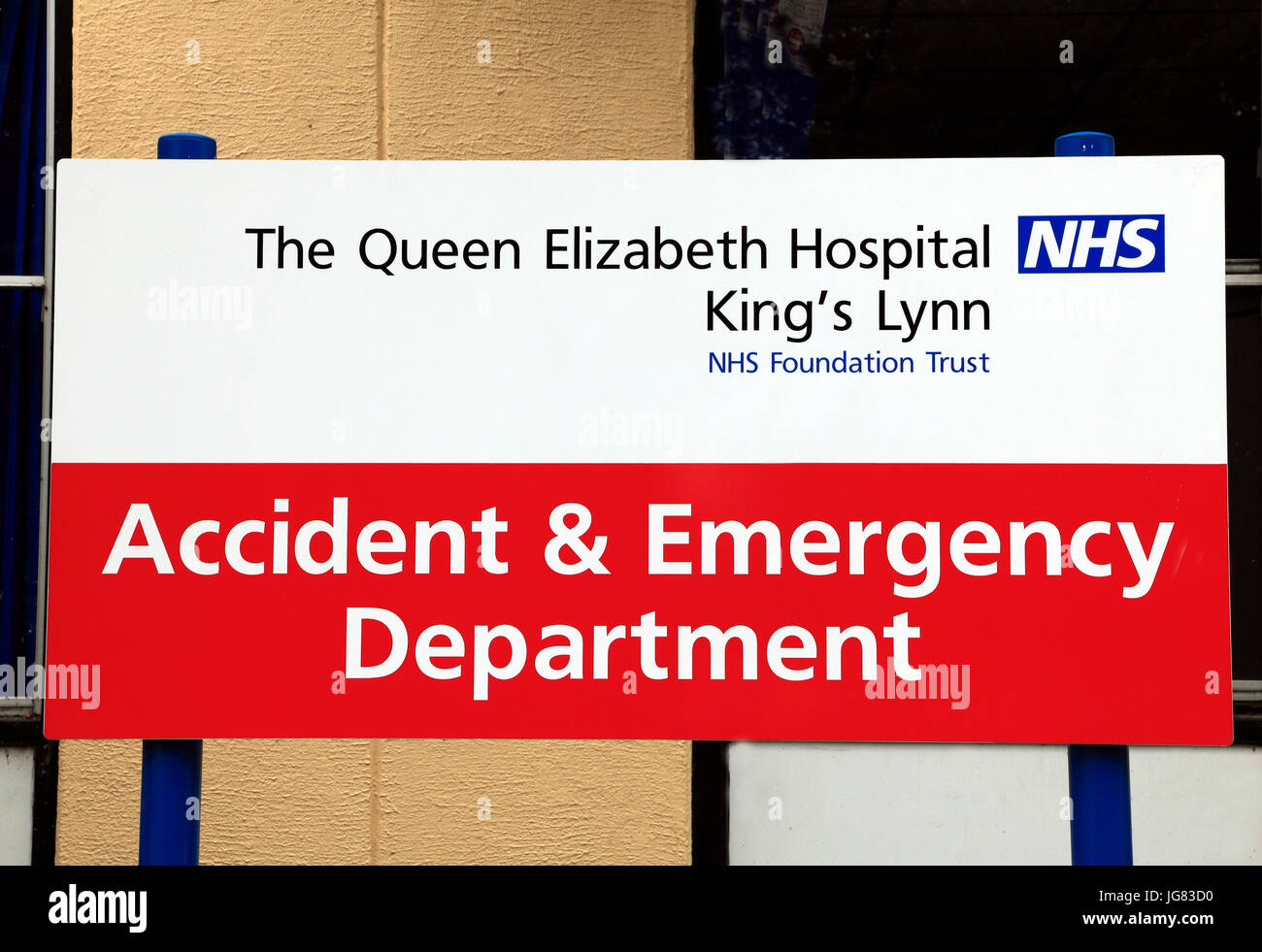 English hospital emergency department sign stock photos english queen elizabeth hospital kings lynn accident emergency department sign english sciox Image collections