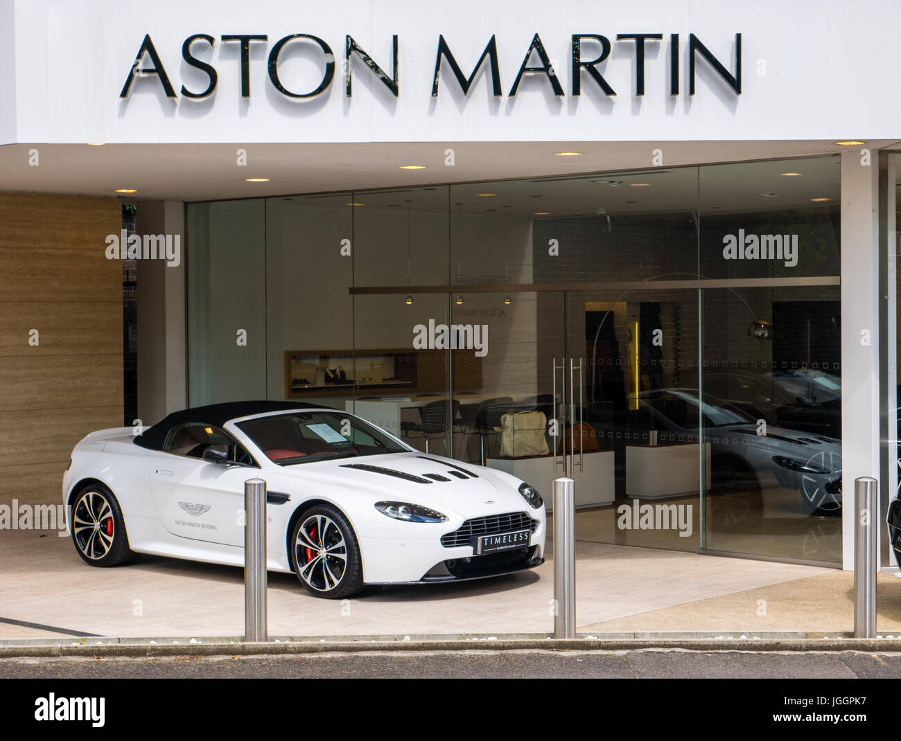 Luxury Car Dealership Dealing With Bentley Aston Martin Stock - Lamborghini car dealership