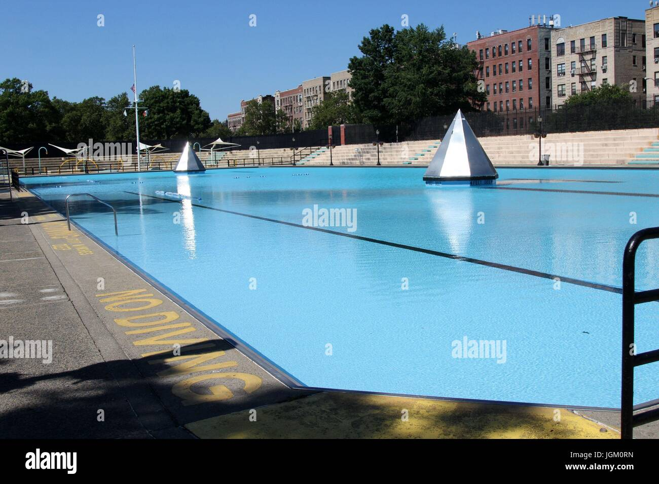 Bronx Swimming Pools Interesting Vintage Photos How New Yorkers Used To Escape The Heat With