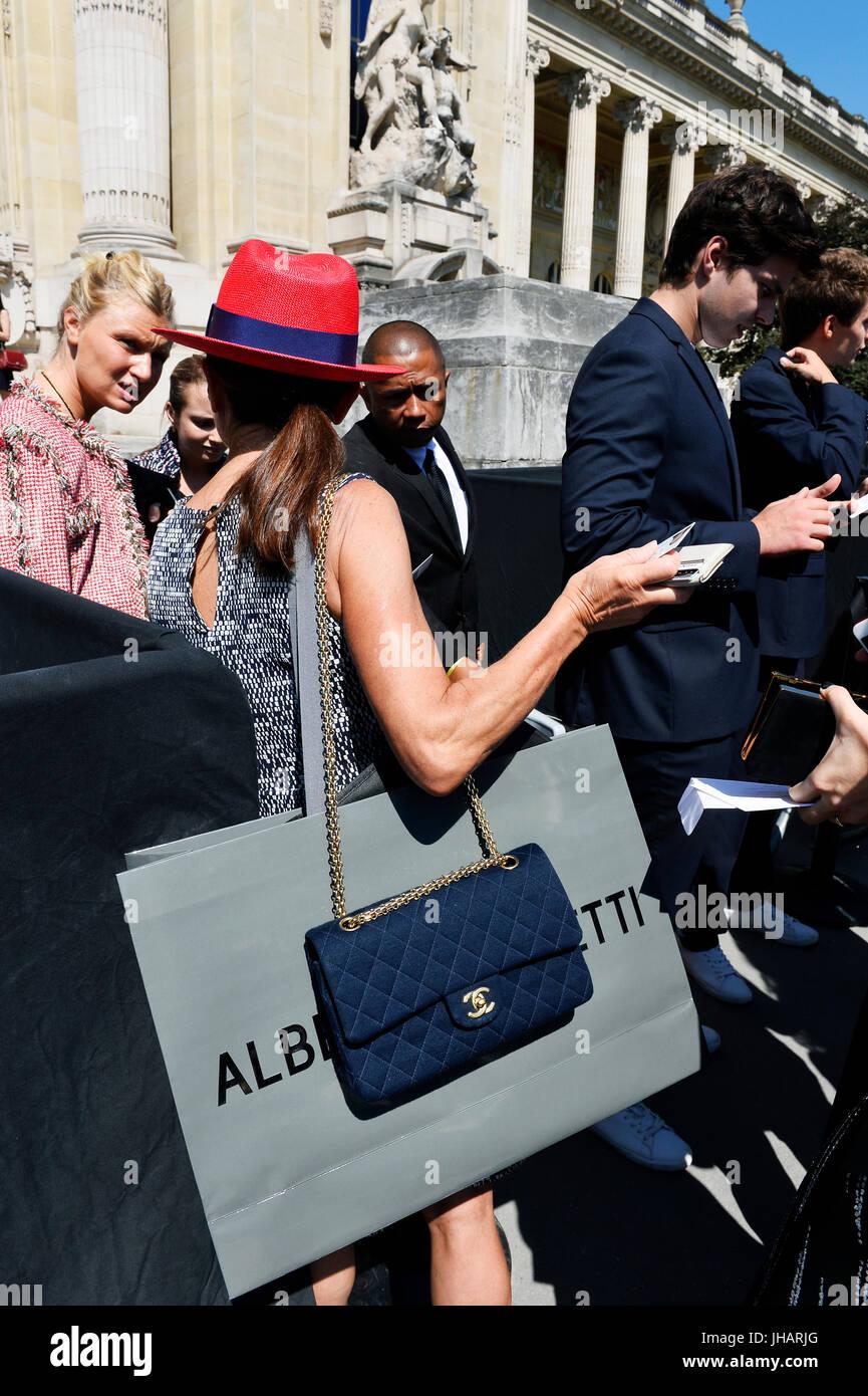 Street Style At Chanel Paris Fashion Week Hf 2017 2018 Le Stock Photo 148370168 Alamy