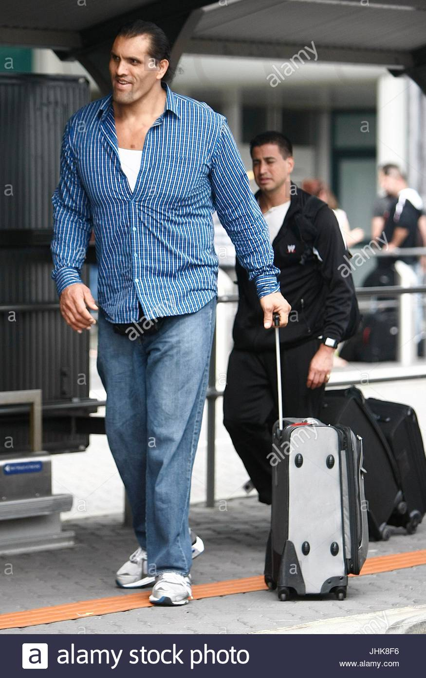 The great khali wwe wrestlers arrive into perth domestic airport the great khali wwe wrestlers arrive into perth domestic airport in perth western australia voltagebd Image collections