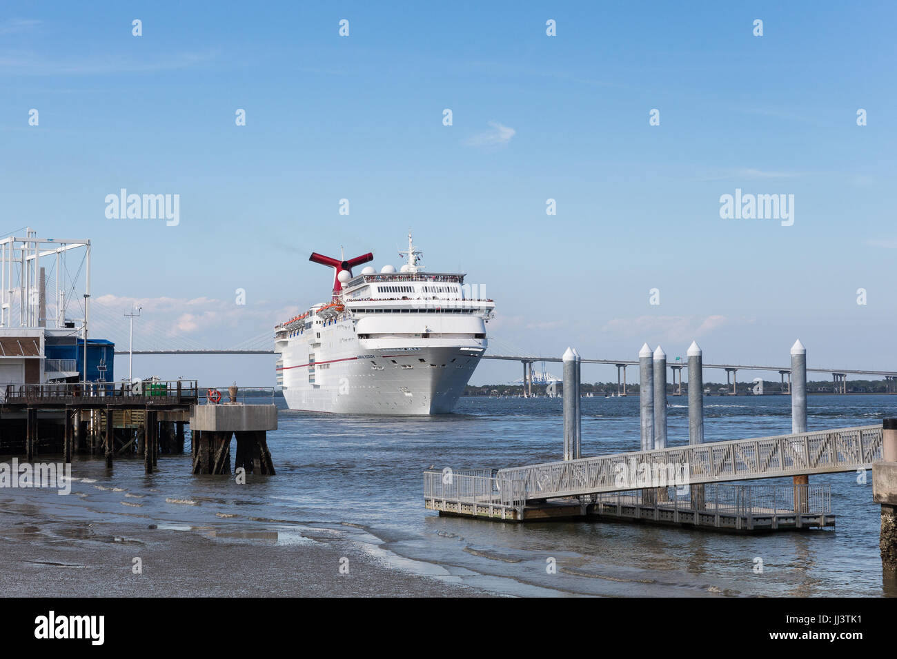Charleston SC March Cruise Ship Leaving Historic - Cruise ships out of charleston