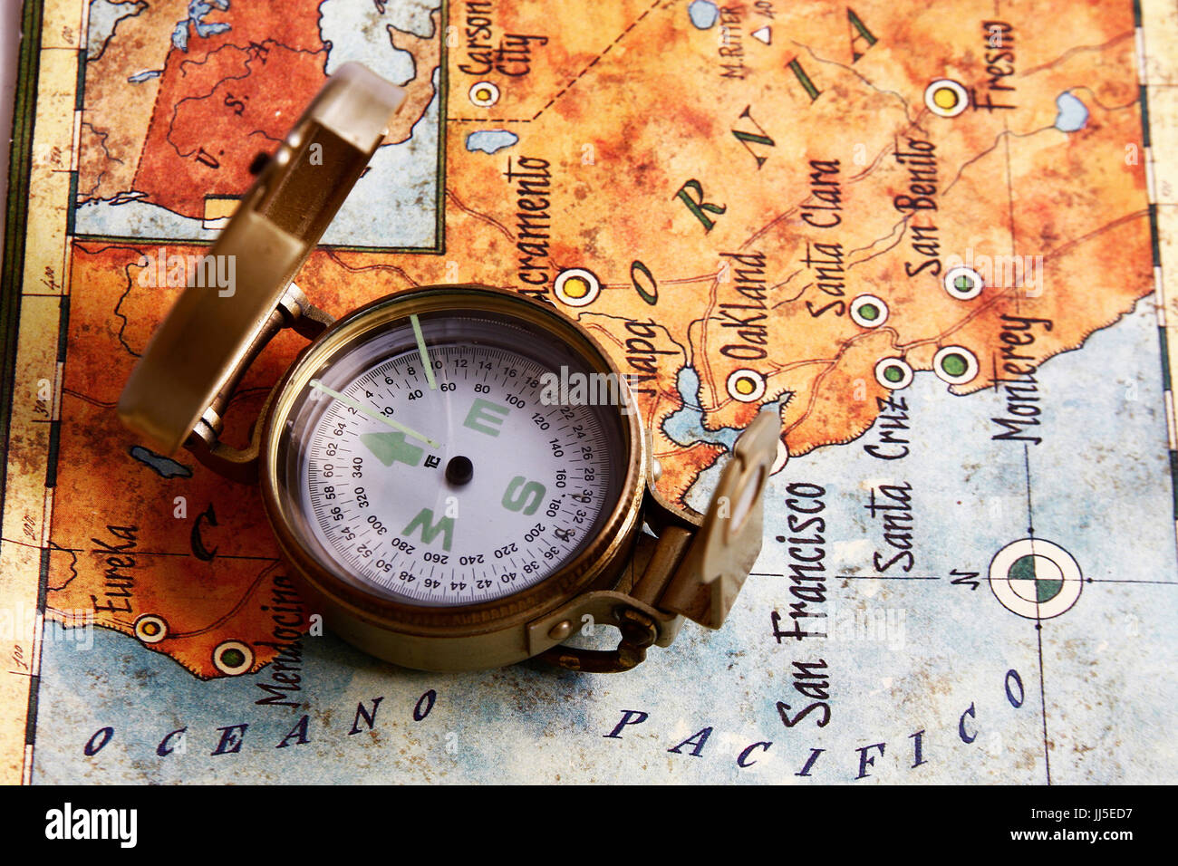 Compass Map USA Pacific Ocean City State Indicato Brazil - Usa map with compass