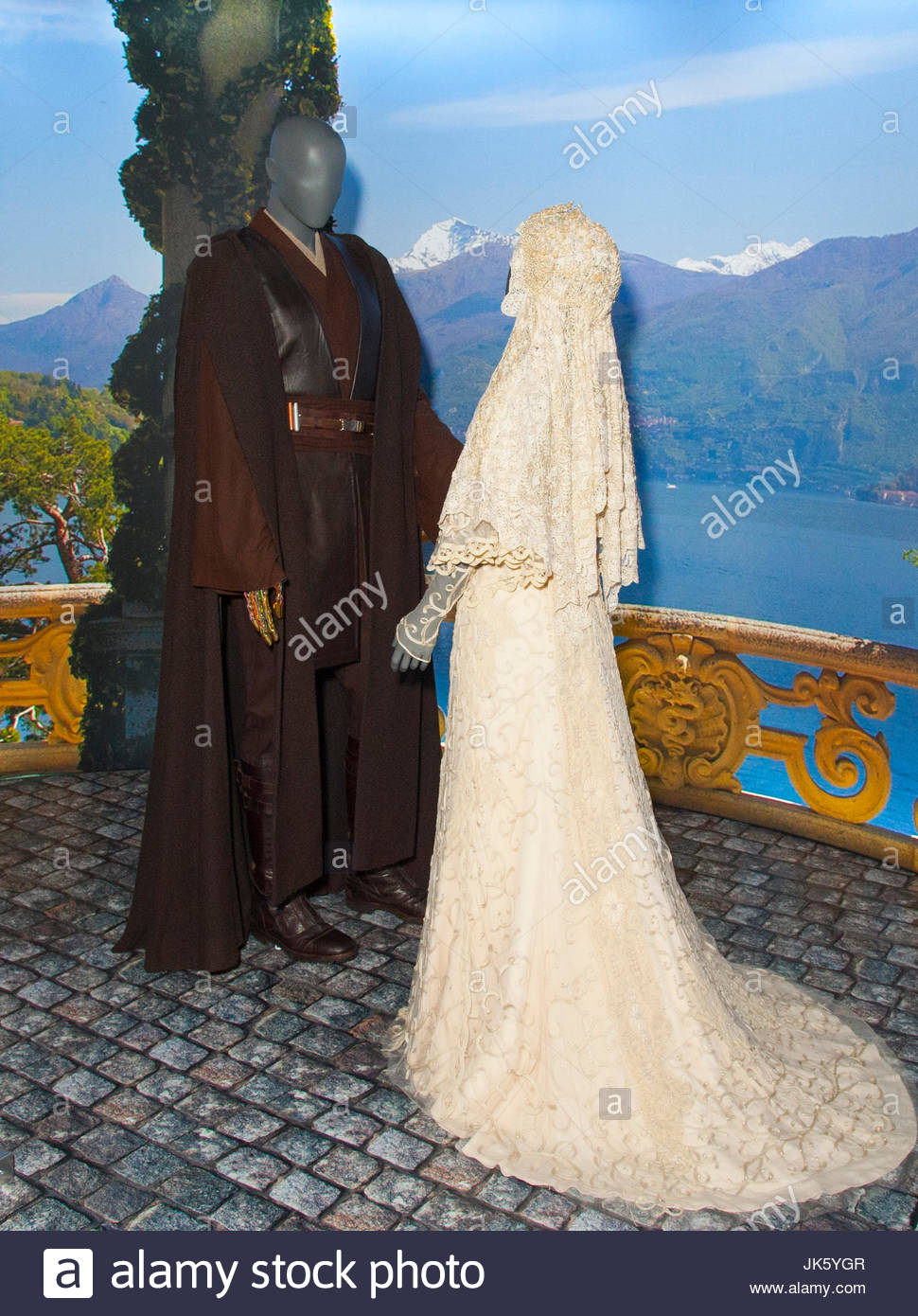 Star Wars Costume Exhibition Anakin Skywalker Jedi Robes Padme Amidala Wedding Gown