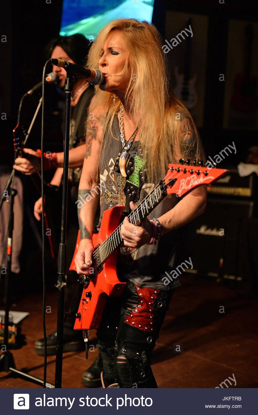 Lita ford lita ford judges a bartender contest before performing during pinktober fundraiser at hard