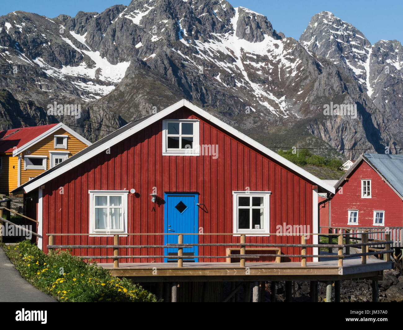 Typical norwegian wooden houses henningsv r fishing for Norway wooden houses
