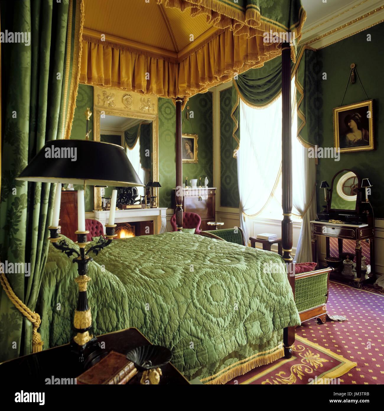 Victorian Bedroom: Victorian Bedroom Stock Photos & Victorian Bedroom Stock