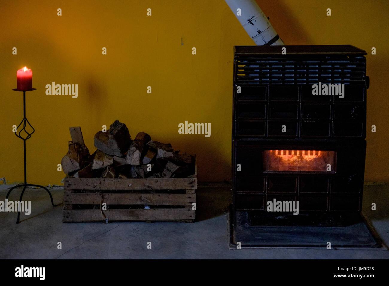 room wood burner burning stock photos u0026 room wood burner burning
