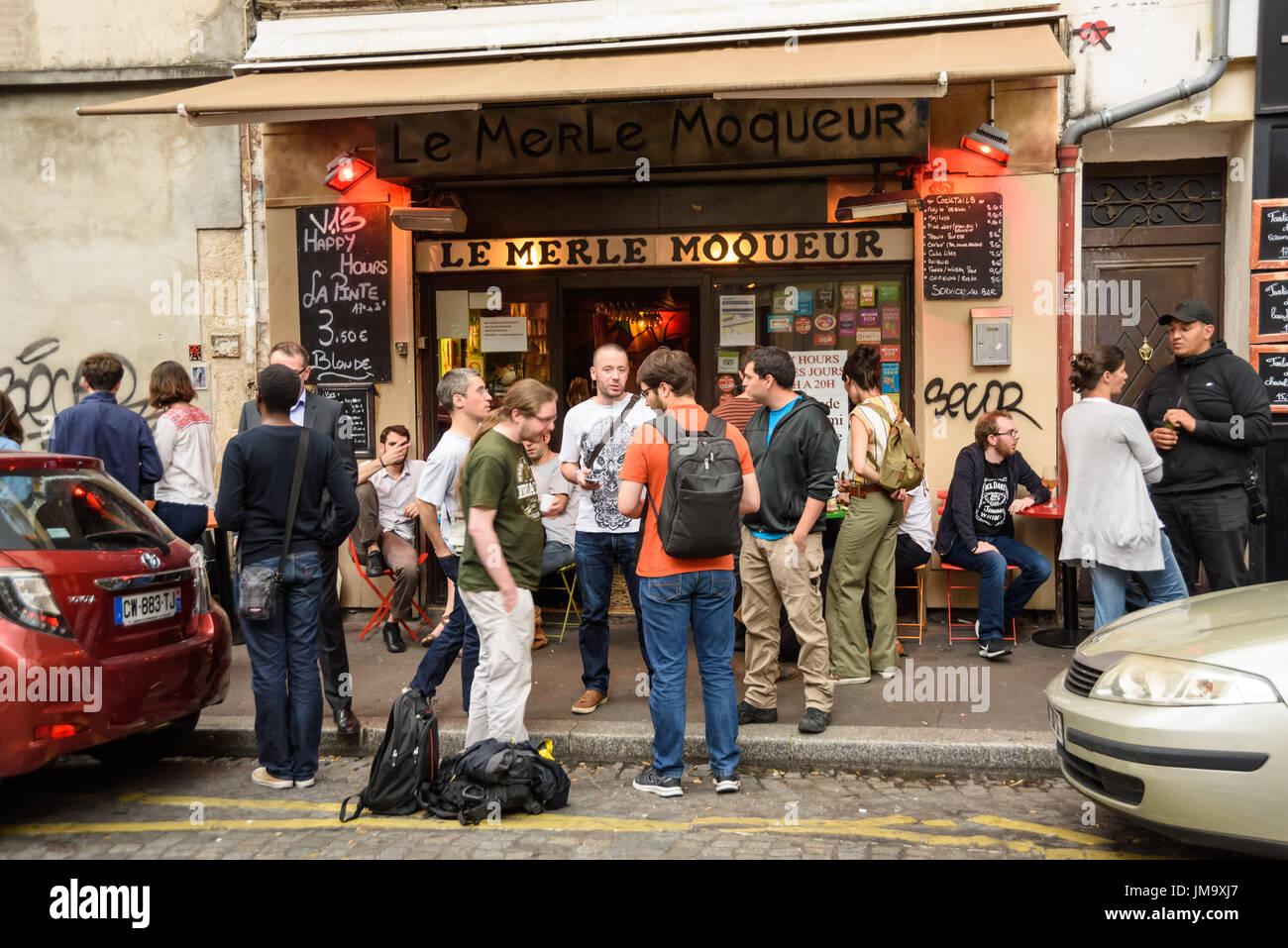 Moqueur stock photos moqueur stock images alamy - Restaurant butte aux cailles ...
