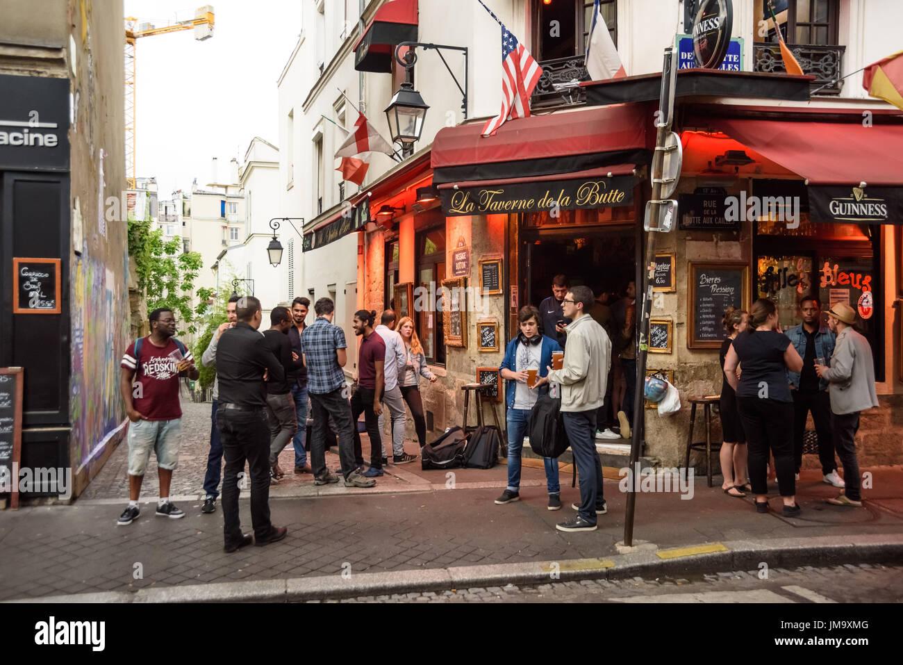 La taverne stock photos la taverne stock images alamy - Restaurant buttes aux cailles ...