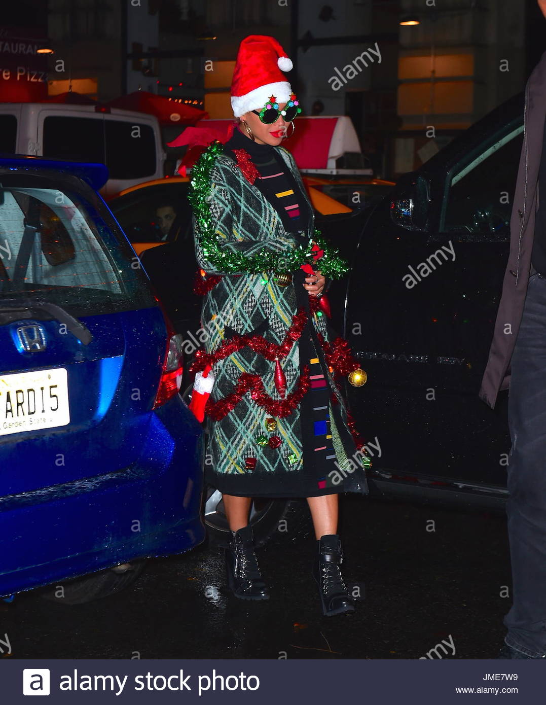Beyonce. Beyonce was spotted leaving her Ultimate Office Christmas ...