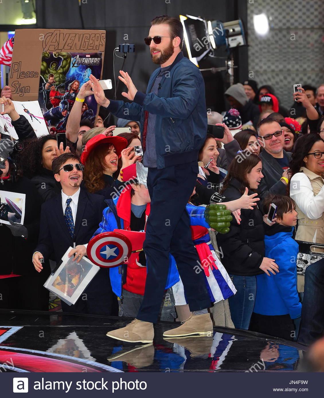 Chris Evans The Men From Avengers Minus Hemsworth Were Seen Visiting Good Morning America Robert Downey Jr Wore A Purple Blazer