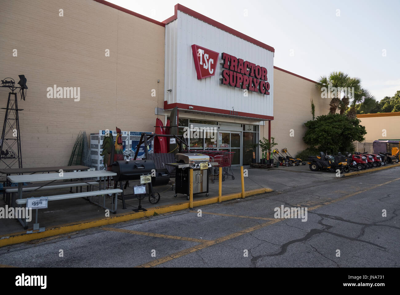 Pet supply store stock photos pet supply store stock images alamy tractor supply company leesburg florida stock image buycottarizona Gallery
