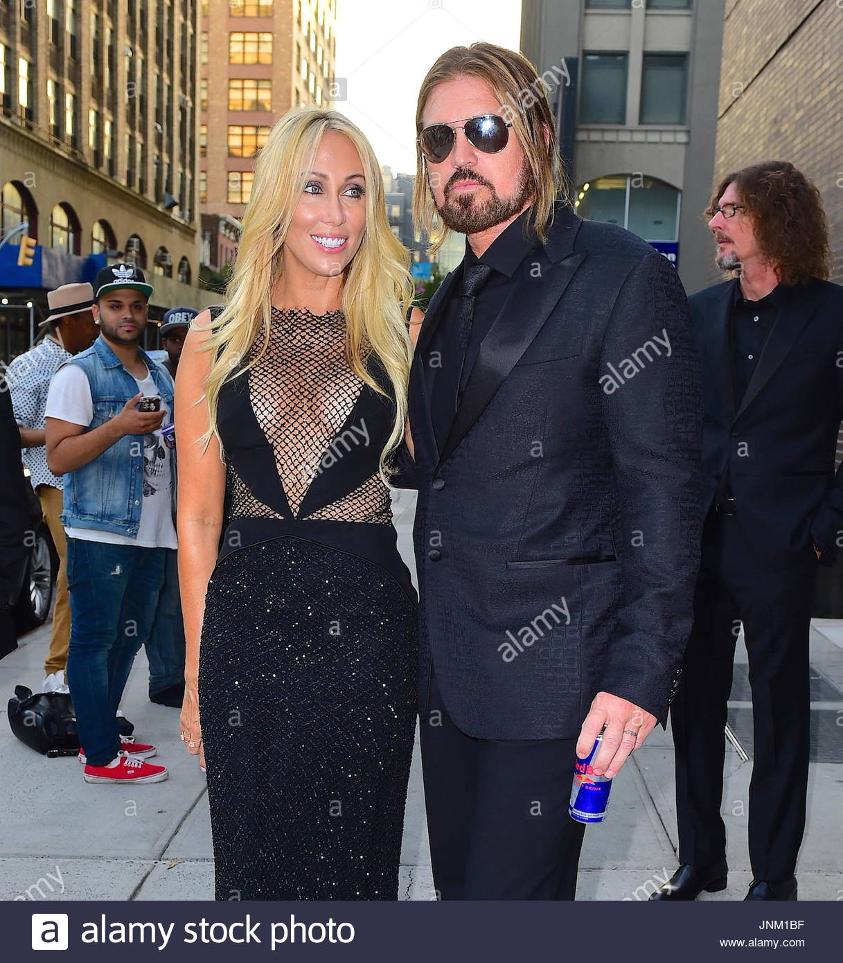 selfie billy ray cyrus and pew Miley cyrus posted a pre-vmas naked selfie reactions to miley cyrus's nude pre-vmas selfie are really surprising (photo) — billy ray cyrus.