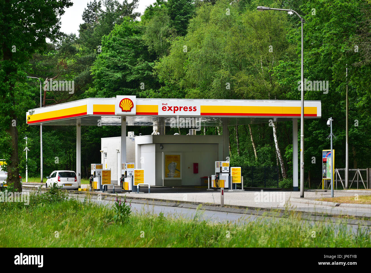 shell gas petrol service station stock photos shell gas petrol service station stock images. Black Bedroom Furniture Sets. Home Design Ideas