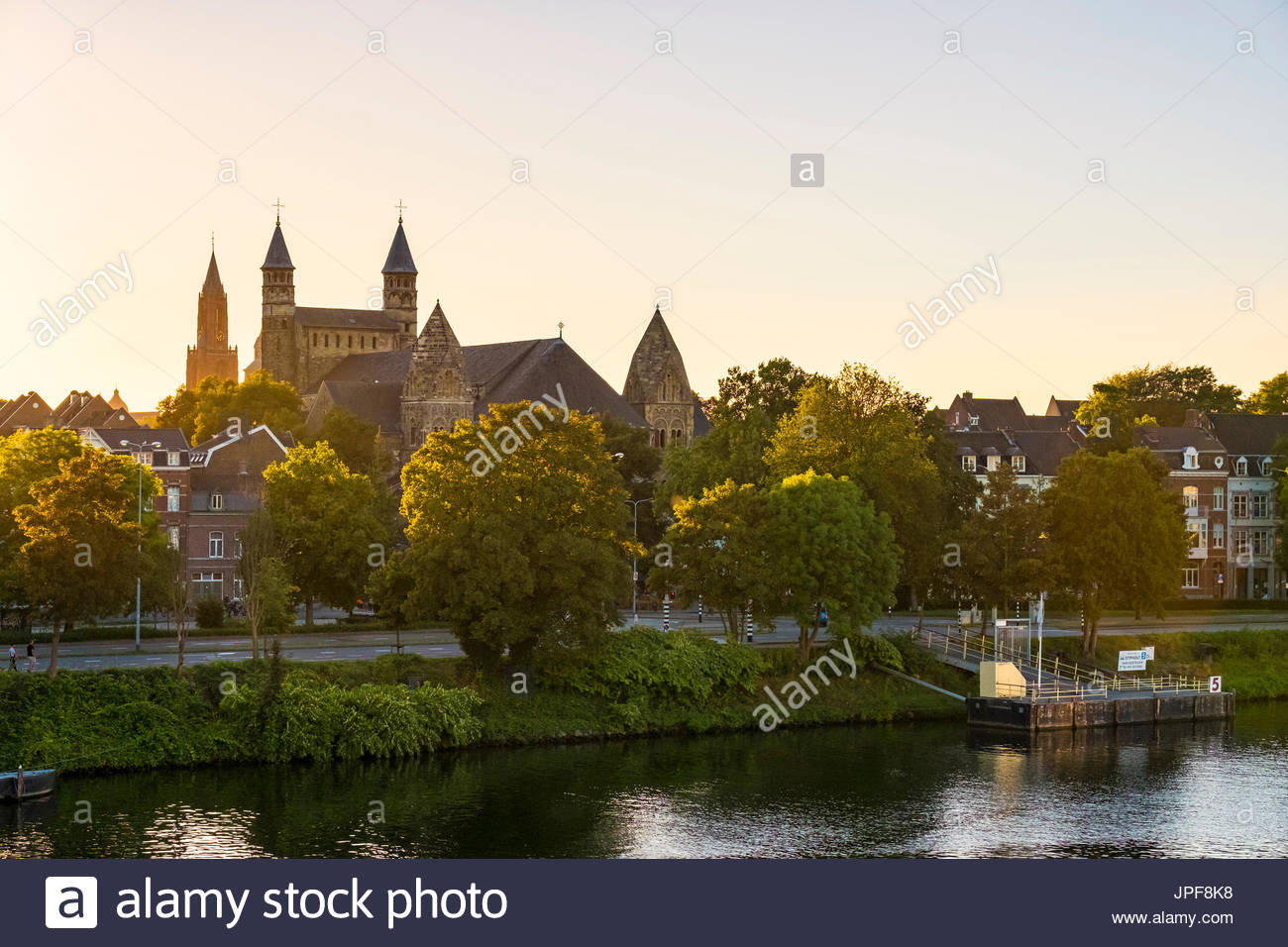 Onze lieve vrouwe basiliek stock photos onze lieve vrouwe basiliek stock images alamy - Maastricht mobel ...