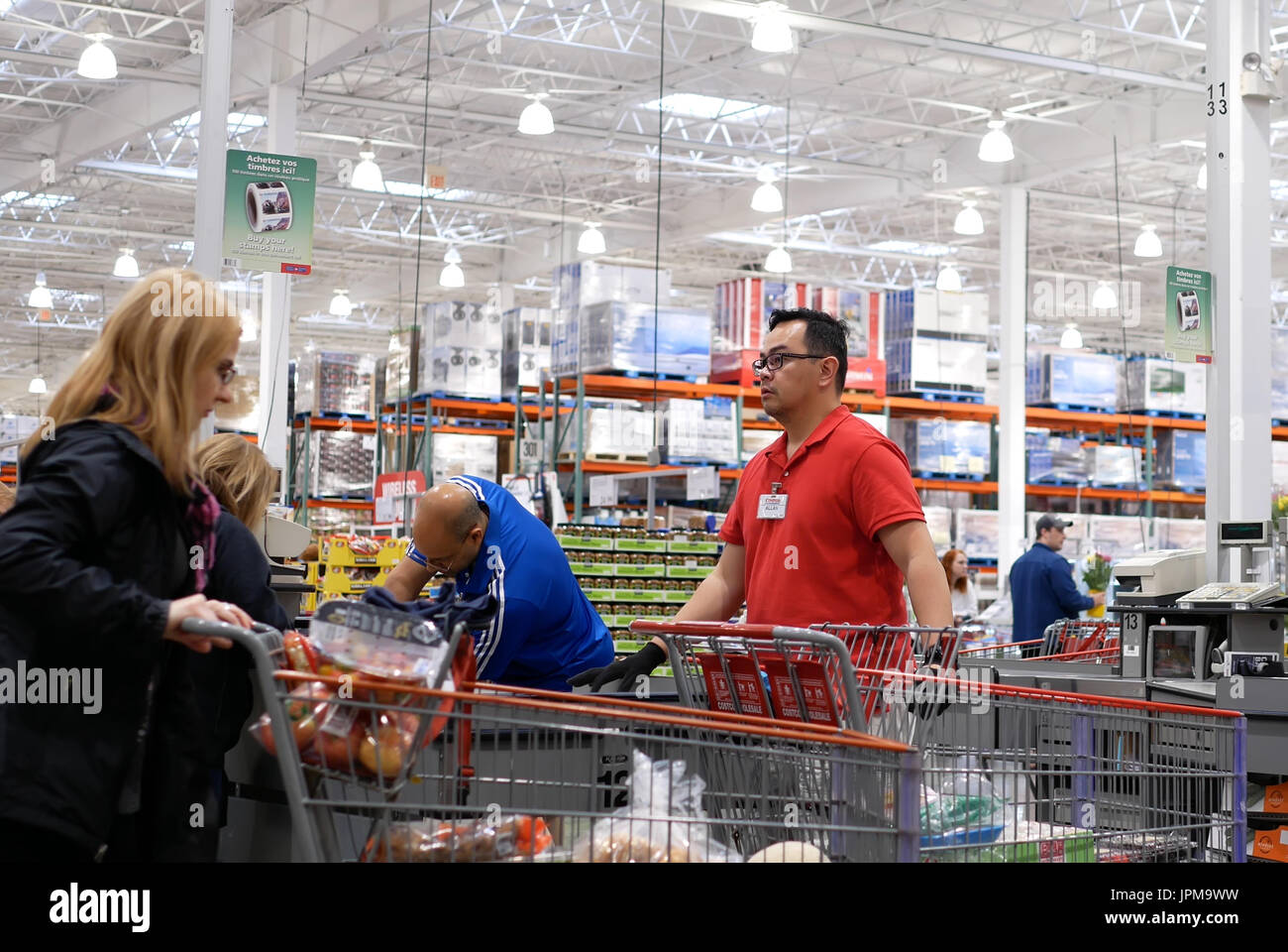 how to become a cashier at costco