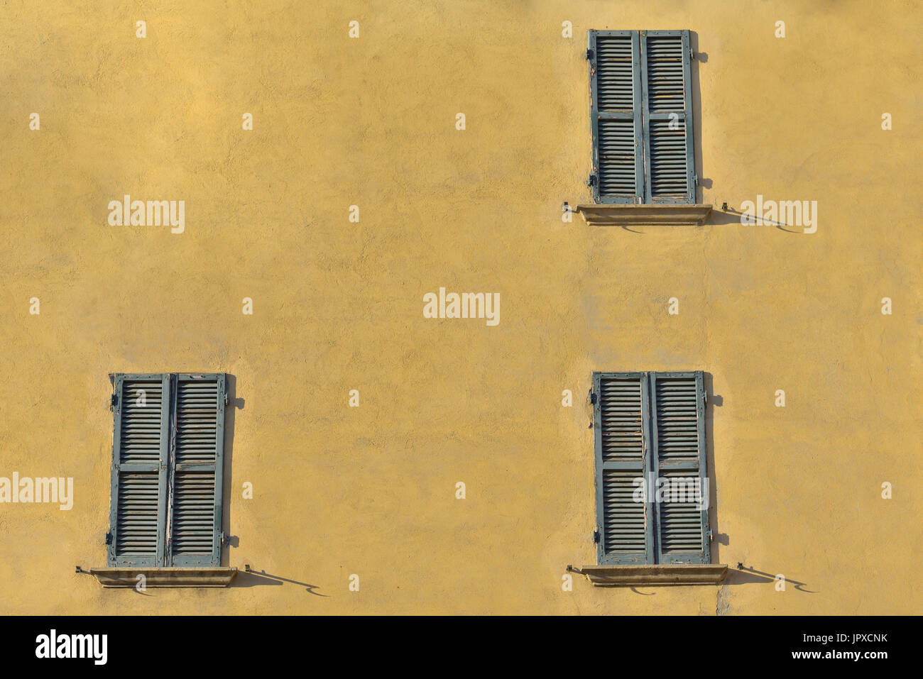 Super Closed Green Windows On Yellow Wall Of Old House In Florence Download Free Architecture Designs Embacsunscenecom