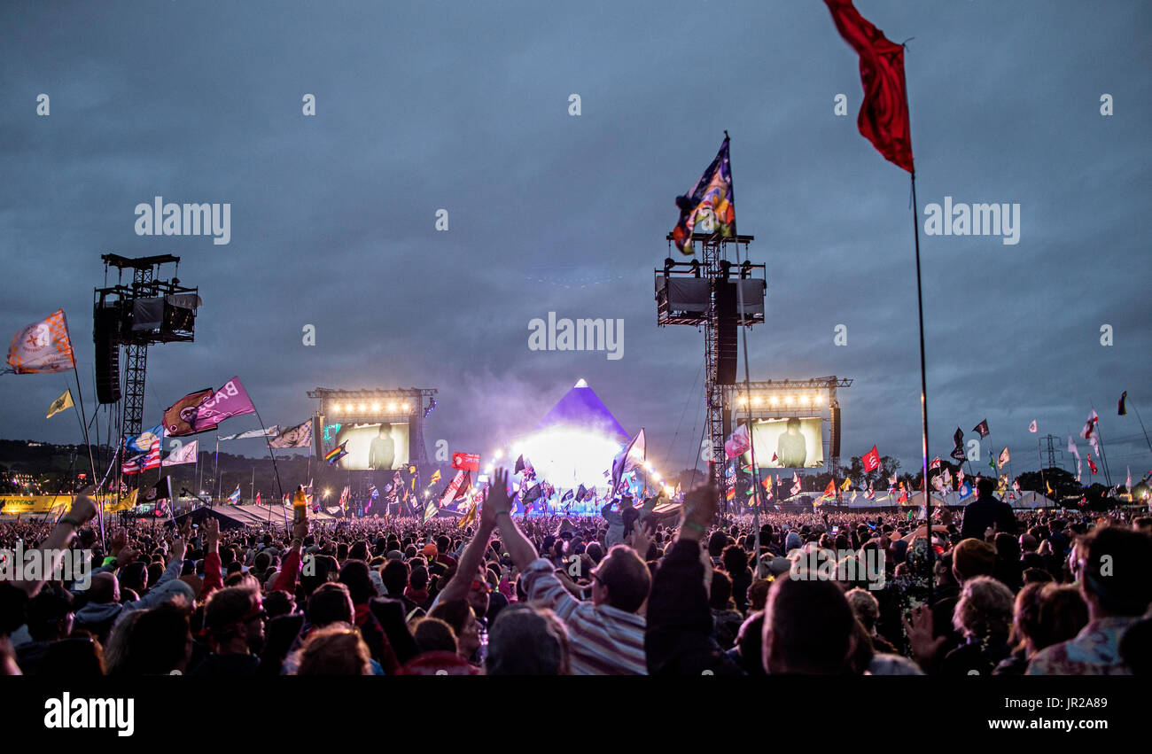 glastonbury festival crowd control Find the perfect glastonbury festival crowd stage stock photo huge collection, amazing choice, 100+ million high quality, affordable rf and rm images no need to register, buy now.