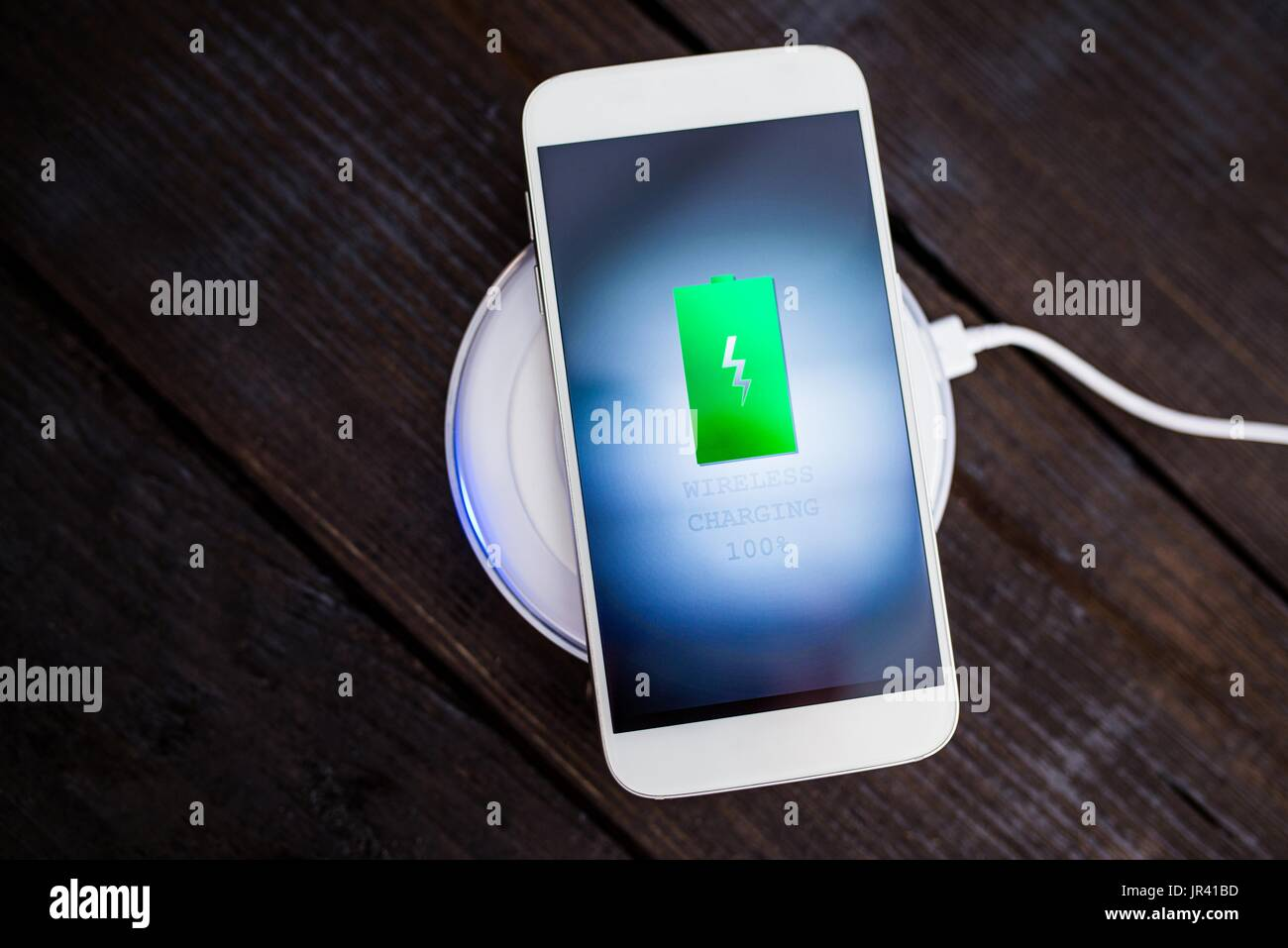 smartphone battery icon stock photos smartphone battery icon stock images alamy. Black Bedroom Furniture Sets. Home Design Ideas