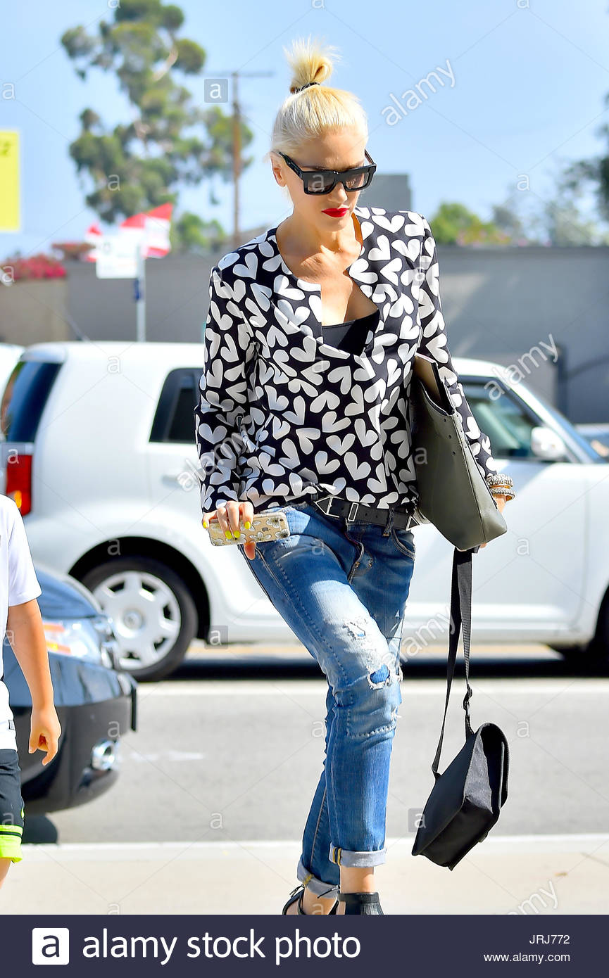 Gwen Stefani. Gwen Stefani Heads To Church Without Her Wedding Ring After  Announcing Her Divorce To Gavin Rossdale