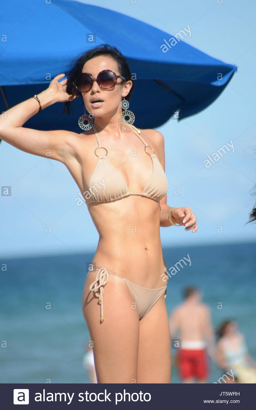 see through Cleavage Lisa Opie naked photo 2017