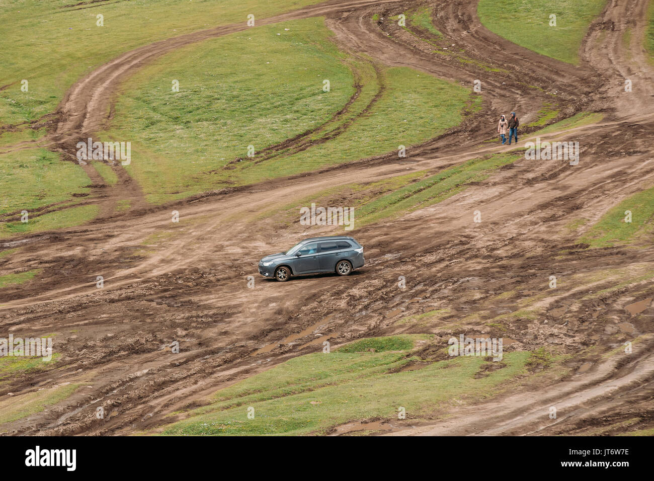 Stepantsminda Gergeti Georgia May Mitsubishi Outlander Xl Jt W E on Mitsubishi Montero Sport Tire Size
