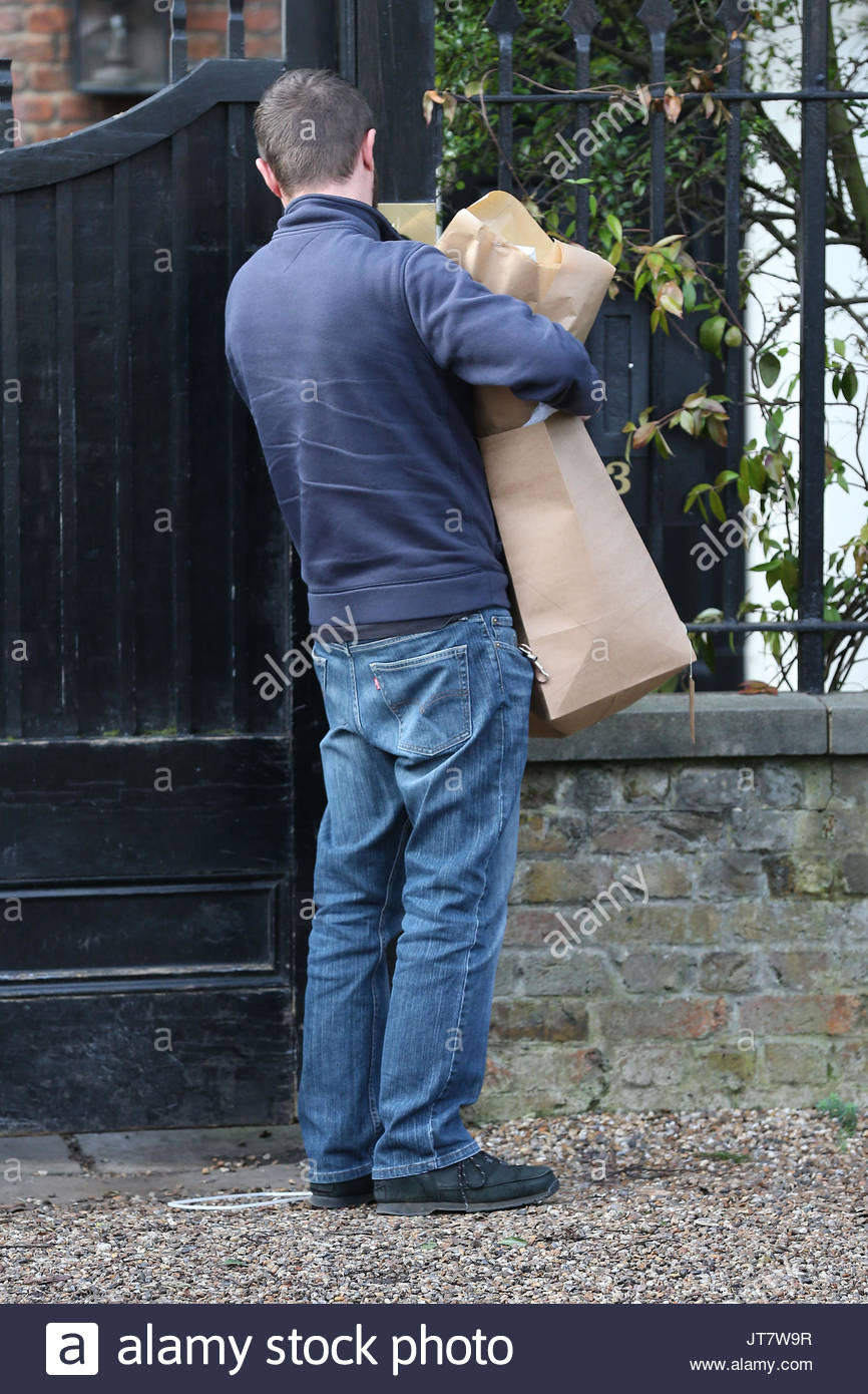 Flowers yet another flower delivery for birthday girl kate moss flowers yet another flower delivery for birthday girl kate moss today at her london home izmirmasajfo Image collections