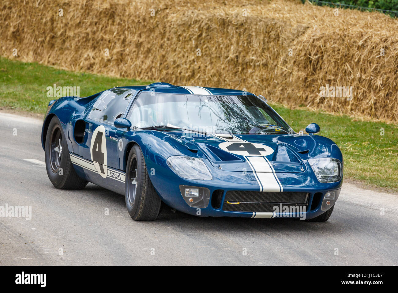 ford gt 40 stock photos ford gt 40 stock images alamy. Black Bedroom Furniture Sets. Home Design Ideas