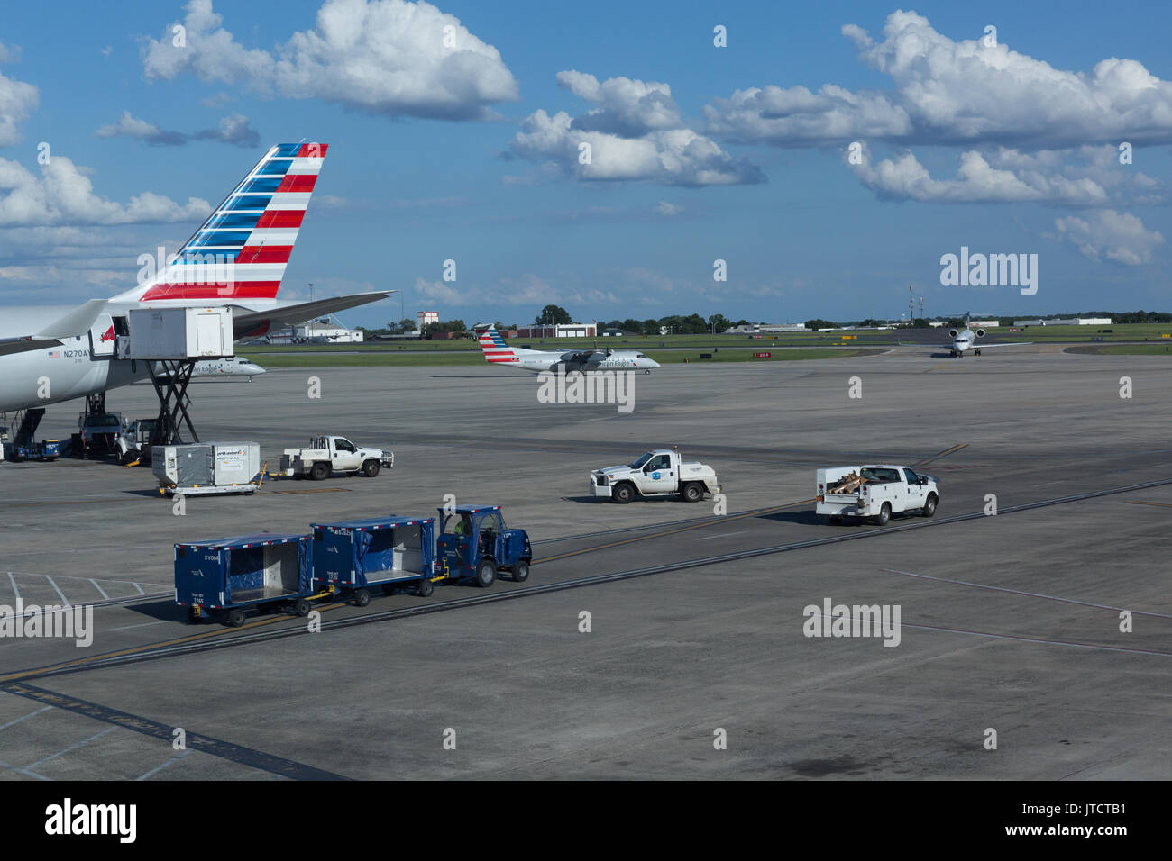 american airlines and american eagle jet airplanes at charlotte