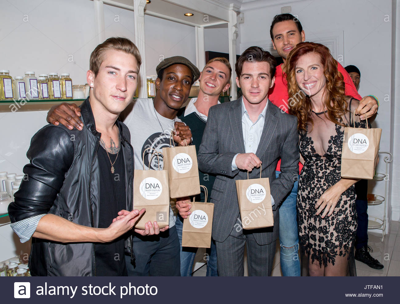 Shaka smith stock photos shaka smith stock images alamy talon reid shaka smith drake bell and tanna frederick guests drake bell kristyandbryce Images