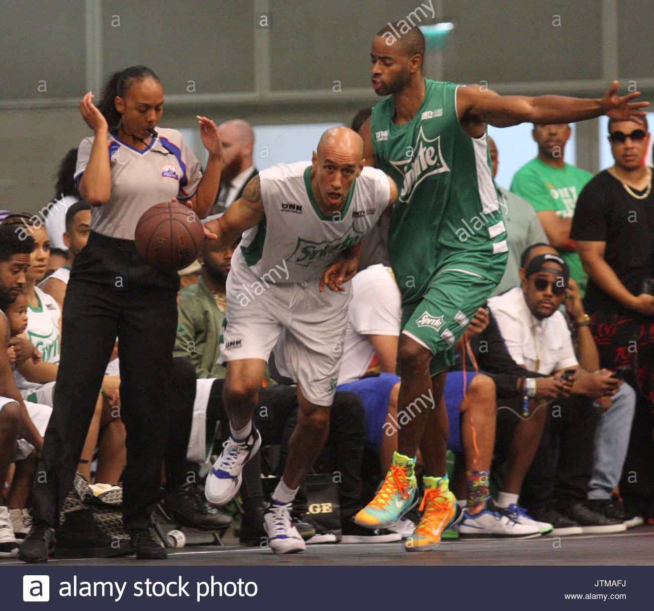 Doug Christie Music and Sports stars at the Sprite Celebrity